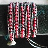 Art- und Weiseledernes Armband mit Kornen