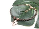 De nieuwe Eenvoudige Armband van de Juwelen van de Manier van het Ontwerp in Leer met de Roze Goud Geplateerde Tegenhanger van de Klaver