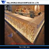 現代ハイエンドコマーシャルLEDの照明L形のレストラン棒カウンター
