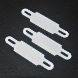 Etiqueta en el marcador de cables de PVC blanco