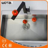 Singolo rubinetto della cucina della parte girevole del quadrato della maniglia di modo