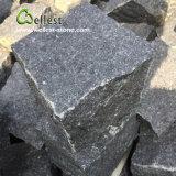 黒い玄武岩の花こう岩のテラスの敷石、私道の玉石