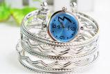 方法夏の女性の高品質の水晶ブレスレットの腕時計