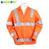 Rivestimento arancione del lavoro per l'uomo