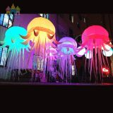 Finego Paryのイベントの段階の装飾のための白く多彩なハングの膨脹可能なLEDのくらげの照明