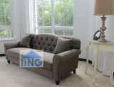 ブラウンカラー居間のソファー
