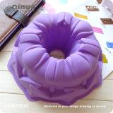 La fleur simple adulte de Kids& a formé le moule à gâteaux pour faire des gâteaux