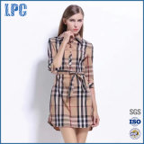 As mulheres Plaid Shirt elegante