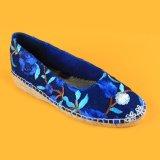 Scarpe di tela Closed dello stretto della punta del blu marino basso del cuneo per le donne