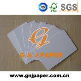 Cartão branco da qualidade superior para a venda