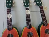 Дешевый Ukulele сопрано мальчика Lindenwood ананаса цвета плодоовощ цены