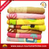 専門ペット毛布の使い捨て可能な赤ん坊毛布の防火効力のある羊毛毛布