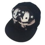 El hombre de encargo del algodón del negro del bordado 3D se divierte los sombreros del Snapback del casquillo