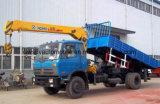 Dongfeng 4X2はトラックをロードする10トンにクレーン5トンのXCMGのジブ取付けた