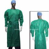 Pp.-nichtgewebtes Wegwerfkrankenhaus-Lokalisierungs-Kleid mit elastischen Stulpen