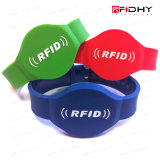Farbe gefüllte Silikonintelligente RFID Wristbands für Festivals