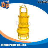 Estrazione mineraria subacquea che draga la pompa sommergibile dei residui