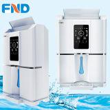 Luft-Wasser-Generator 20L/Day, der reines Wasser trinkt