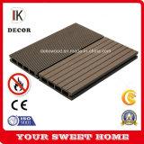 Matériau de construction des revêtements de sol composite WPC Decking avec anti-UV, faible maintenir