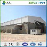 Q345によって電流を通されるプレハブの鉄骨構造の倉庫の工場