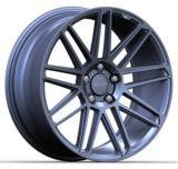 El aluminio del coche bordea las ruedas de la aleación de la reproducción