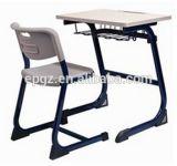 École Furniture School Wooden Desk et Plastic Chair