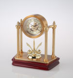 Orologio di scheletro del mini metallo con il pendolo girante