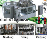 Máquina que capsula de relleno de levantamiento del Aqua de la botella