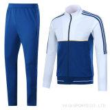 Куртка и тяжелое дыхание футбола клуба Италии новой куртки футбольной команды людей прибытия установленные