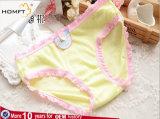 La nueva suavidad de la ropa interior del caramelo de algodón del orificio de aire de las chicas jóvenes del Lacework ventila las bragas del algodón