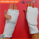 内部手の覆いの手袋、囲む打つ手袋をトレインするボクシング