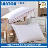 白い綿織物は綿の枕保護装置と置く
