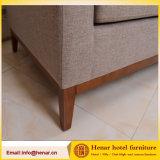 Sofá moderno de madeira do sofá de 3 assentos para a mobília da entrada do hotel