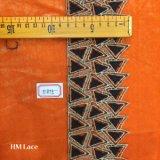 8cm reizvolles schwarzes Dreieck-wasserlösliche Spitze für Pub-Kleid mit Goldstickerei Hme875