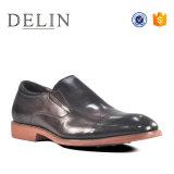 2018 Nuevo deslizamiento sobre Loafer diseñador de calzado de cuero para hombres