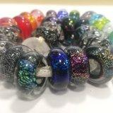 Mode bijoux qui fait de perles dichroïque