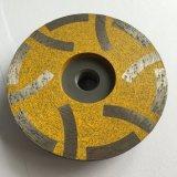 Заполненное смолаой меля колесо чашки