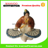 Vrouw in het Lange Ceramische Beeldje van de Kleding voor het Ornament van het Huis van de Decoratie