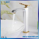 Taraud en laiton de robinet de bassin de salle de bains de chrome de qualité neuve