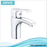 L'eau simple Mixer&Faucet Jv73103 de bassin de traitement du modèle 2016 populaire