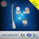 Alloggiamento del tubo di T5 LED con gli accessori