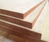 China barato 4 ' madera contrachapada del pegamento de la base E0 del álamo de x8 para hacer los muebles