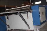 El arrugar de papel automático y cortadora