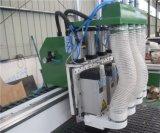 Holz, das CNC-Fräser-hölzerner Stich-Ausschnitt CNC-Fräser aufbereitend arbeitet
