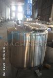 El tanque de la calefacción del agua destilada con el dispositivo de mezcla