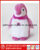 Adorable juguete de peluche pingüino con oreja Rosa cálido