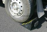 Cuñas de goma de la rueda de la seguridad del estacionamiento del carro