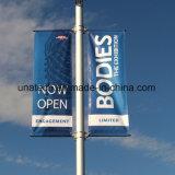Palo che fa pubblicità al montaggio Bannerssaver (BT90) del manifesto della bandierina del Lamppost