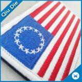 Il Velcro sulla zona superiore della bandiera americana ha ricamato
