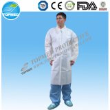 El doctor disponible Lab Coat o Nonwoven friega el vestido